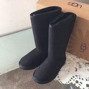 UGG Shoes - ✨SALE!!!!UGG KIDS CLASSIC TALL